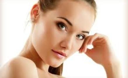 Różne zabiegi dla ciała ludzkiego polecane przez kosmetyczkę.